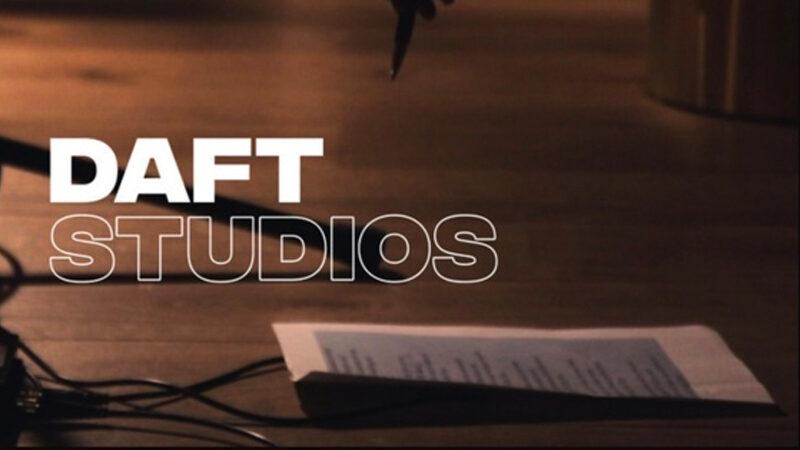 De hoes van Daft Studios nieuwjaarswens