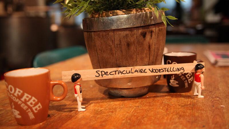 'Spectaculaire voorstelling', Toneelgroep Oostpool