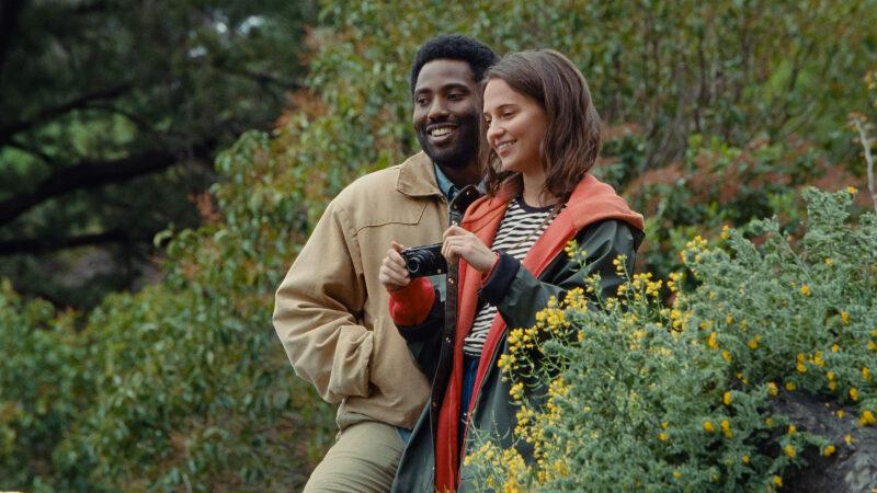 John David Washington en Alicia Vikander in 'Beckett'.