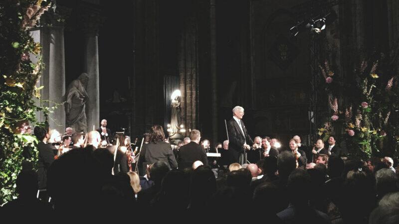 Kinderspel voor de ouderdomsdeken: Herbert Blomstedt walst de Wiener Philharmoniker doorheen Die Romantische
